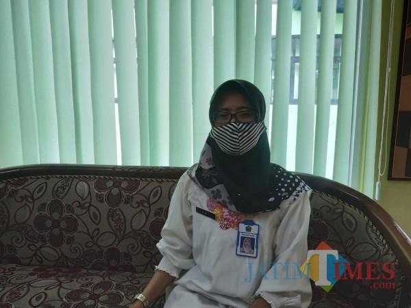 Kepala Bidang (Kabid) Pengendalian Penduduk dan KB Dinsos-P3AP2KB Kota Malang, Sri Umiasih (Hendra Saputra)