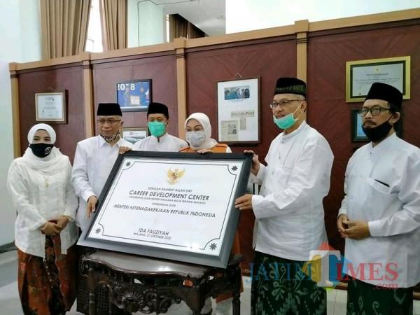 Menaker Sowan ke UIN Malang Resmikan Gedung Career Center