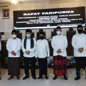 Peringati Hari Santri, Sidang Paripurna DPRD Kota Malang Diwarnai Sarung dan Peci