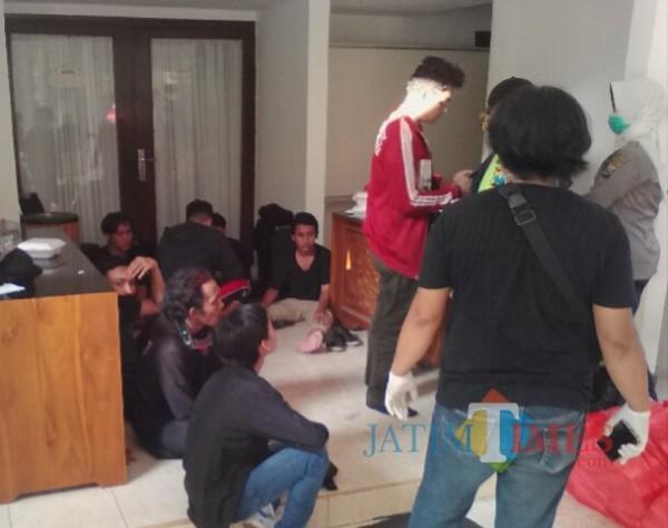Polresta Banyuwangi Kembalikan Pendemo Remaja yang Ditangkap ke Keluarganya
