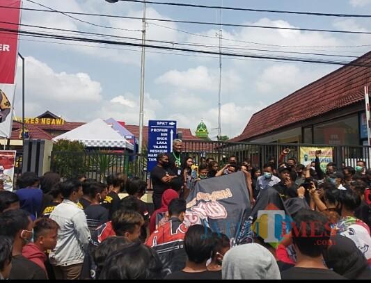 Puluhan Pendekar PSHT Geruduk Polres Ngawi, Tuntut Kejelasan Penangan Kasus yang Menimpa Anggota