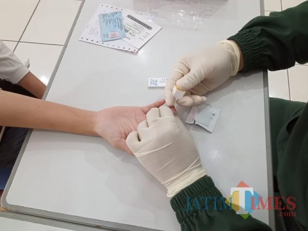 Rapid test gratis yang dilakukan oleh Pemkab Tulungagung (Joko Pramono-JatimTIMES)