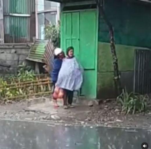 Seorang nenek dipukuli wanita muda (Foto: IG ir_kartika •)