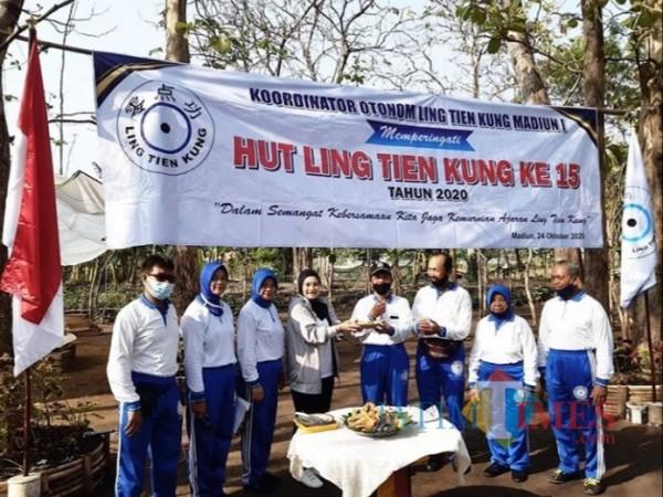 Hadiri Hut ke-55 Lin Tien Kung, Wawali Madiun Inda Raya Beri Semangat Para Manula
