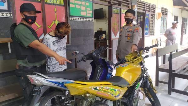Terekam CCTV, Remaja di Jombang Curi Motor Vixion dan Uang Rp 1,5 Juta