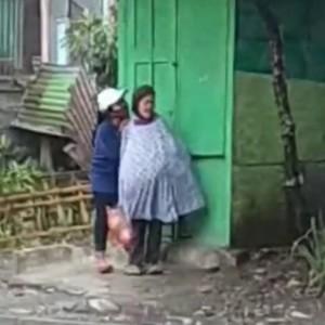 Polisi Cari Rumah Nenek Tua yang Videonya Viral Dapat Aksi Kasar Wanita Muda