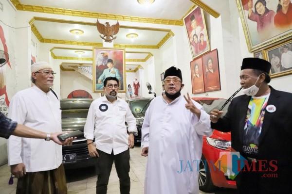 Tokoh senior PDIP Mat Mochtar yang menyatakan dukungannya pada Machfud Arifin