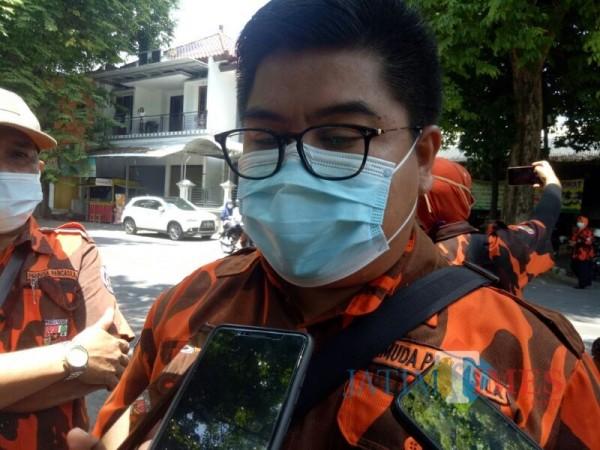Bersihkan Tugu Pancasila, Ini Pesan Ketua Pemuda Pancasila Untuk Pemuda Lumajang