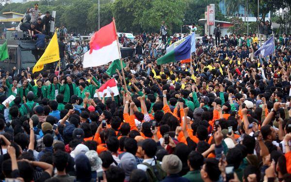 Demo mahasiswa (Foto: JPNN.com)
