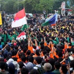 Demo Tolak UU Cipta Kerja, Mahasiswa Sebut Jokowi-Ma'ruf Gagal Pimpin Indonesia