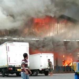 Pabrik Pemotongan Ayam di Jombang Terbakar, Karyawan Sebut Ada Ledakan