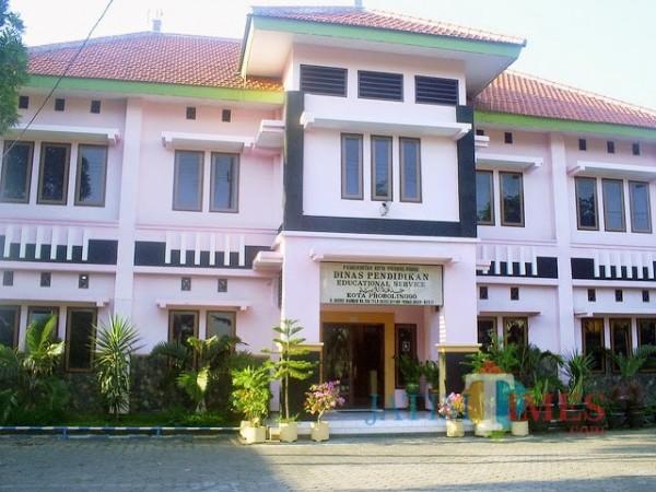 Kantor Dinas Pendidikan Kota Probolinggo (Foto: Mabrur/ProbolinggoTimes)
