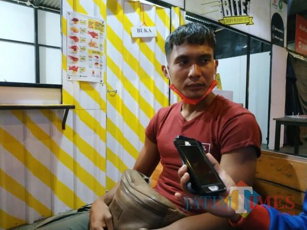 Kapten tim Arema FC, Hendro Siswanto (Hendra Saputra)