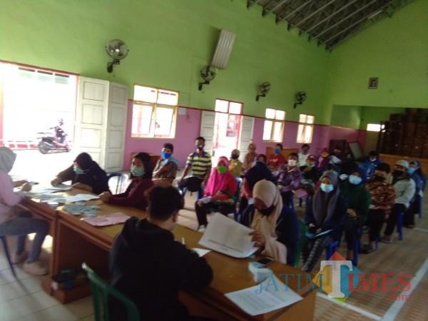 Masyarakat Kabupaten Blitar antusias mengurus dokumen adminduk melalui jemput bola di masa libur panjang