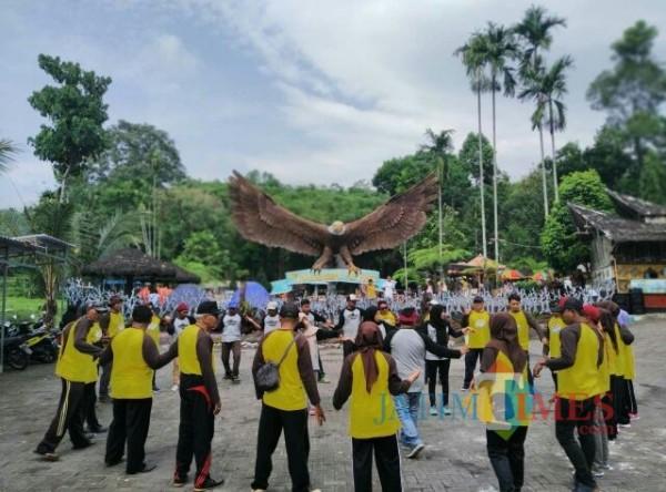 Suasana Outbond Tirtosari (Foto: Bramastyo Dhieka Anugerah / Jatim Times)