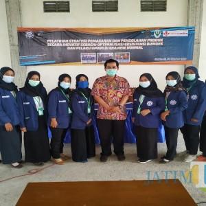 Tim 16 KKN Mandiri UBHI Tulungagung Perkuat Strategi Pemasaran Produk di Desa Gondosuli