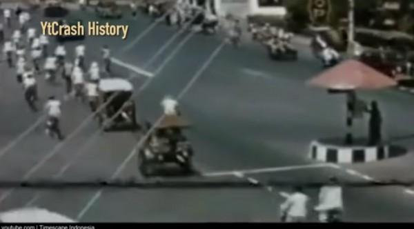 Kondisi Indonesia 100 tahun lalu (Foto: YtCrash History)