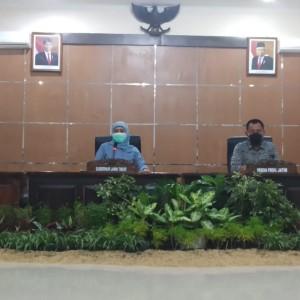 UMP Jawa Timur 2021 Resmi Naik Rp 100 Ribu, Ini Penjelasan Gubernur Khofifah