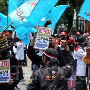 Elemen Buruh Soroti UU Cipta Kerja yang Merugikan, Upah Murah hingga Pesangon Dikurangi