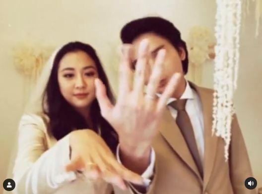 Resmi Menikah, Sherina Munaf dan Baskara Mahendra Pamer Cincin di Medsos