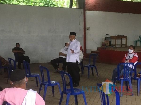 Calon Bupati Malang, Sanusi dari paslon SanDi nomor urut 1 (pegang microfon) saat mengenalkan program Antar Sekolah (Foto : Ashaq Lupito / MalangTIMES)