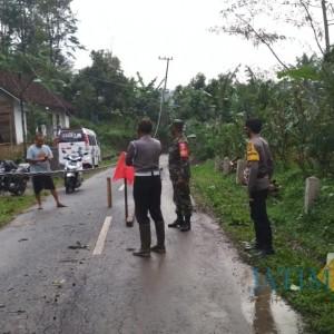 Hujan Disertai Angin Kencang Menerjang Desa Balerejo, Rusak Kabel PLN