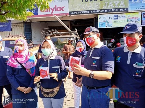 HKN Ke-56, Dinkes Kabupaten Ngawi Bagi 86 Ribu Masker
