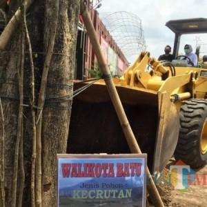Wali Kota Batu Ingin Absen Program 1 Nama 1 Pohon Lewat Vlog