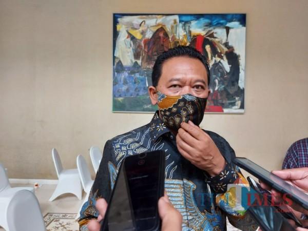 Ketua DPC PKB Kabupaten Malang, Ali Ahmad saat ditemui awak media di sela-sela agendanya di Kota Malang, Senin (9/11/2020). (Foto: Tubagus Achmad/MalangTimes)