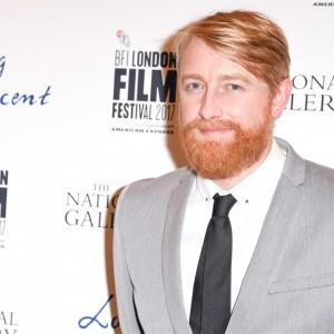 Seorang Predator Seksual Nyamar Jadi Sutradara Pemenang Oscar Hugh Welchman