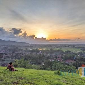 Indahnya Sunset dari Tumpak Celeng, Bikin Kagum Keindahan Lansekap Tulungagung