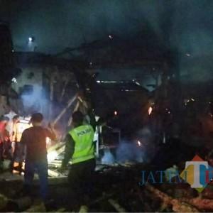 Tempat Produksi Batu Bata di Turen Terbakar, 4 Unit Mobil Pemadam Dikerahkan