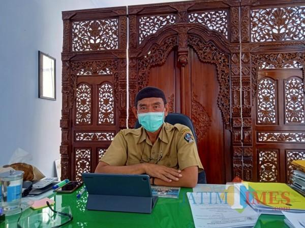 Kepala Dispendukcapil Kabupaten Blitar Luhur Sejati.(Foto : Aunur Rofiq/JatimTIMES)