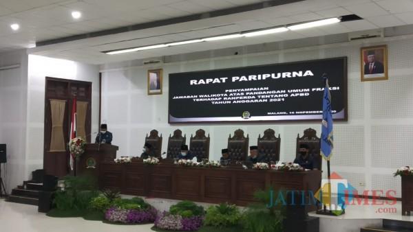 Suasana rapat paripurna di Gedung DPRD Kota Malang (Pipit Anggraenu/MalangTIMES).