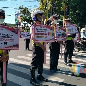 Selama Operasi Zebra Semeru 2020, Satlantas Polres Pamekasan Kampanye Prokes 6.253