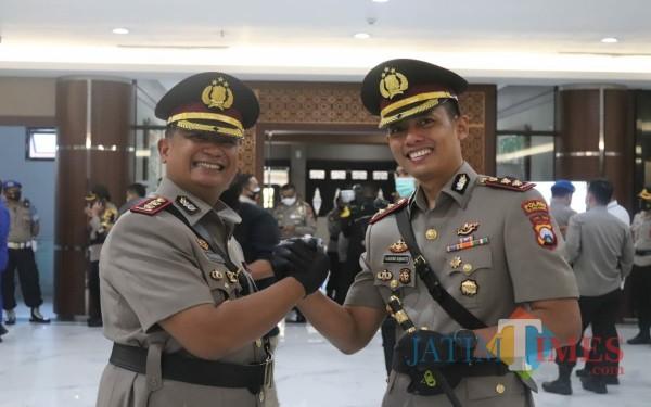 AKBP Eva Guna Pandia bersama AKBP Handono Subiakto / Foto : Istimewa / Tulungagung TIMES