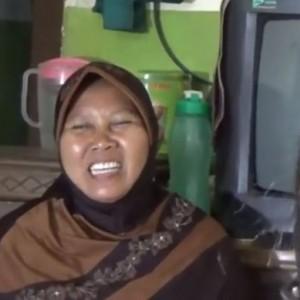 Kisah Haru Seorang Janda, Rela Jadi Buruh Setrika di 4 Rumah Demi Sekolah Anak