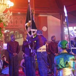 Kirab Bersih Nagari HUT Tulungagung, Tetap Sakral meski Sederhana