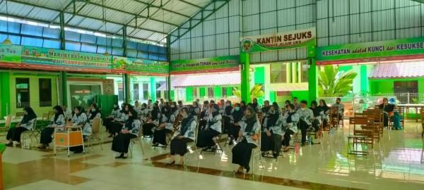 Ratusan Guru SD se-Kecamatan Kedungkandang Semarakkan Webinar PGRI