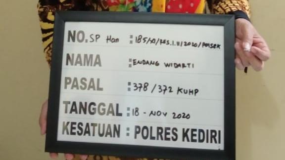 EW yang bekerja sebagai guru di sekolahan wilayah Kabupaten Kediri diamankan lantaran melakukan penipuan. (Foto: Ist)