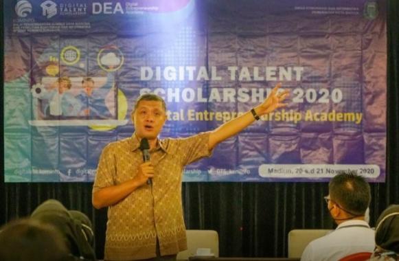 Eka Handayani saat menggelar digital Entrepreneur Academy di Hotel Aston Kota Madiun.