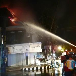 Toko Minyak Wangi di Kediri Nyaris Ludes Dilalap Si Jago Merah