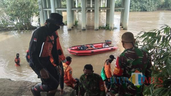 Regu Penolong dari BPBD Lumajang (Foto : BPBD Lumajang / Jatim TIMES)