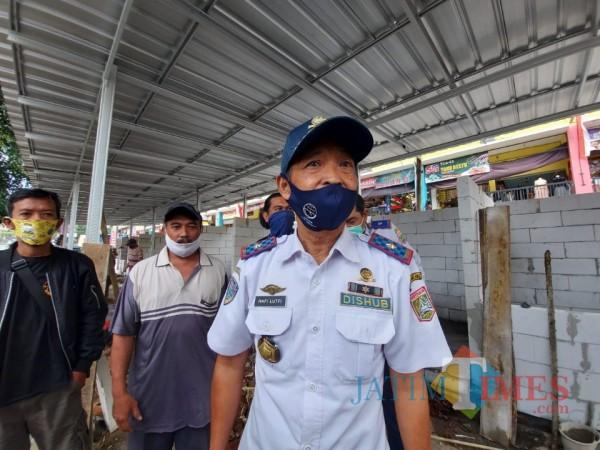 Kepala Dishub Kabupaten Malang Hafi Lutfi saat ditemui awak media beberapa waktu lalu. (Foto: Tubagus Achmad/MalangTimes)