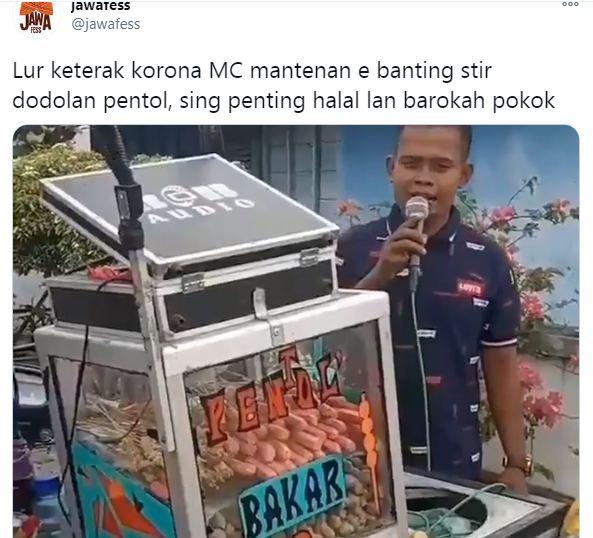 Tukang bakso pentol ala MC kondangan (Twitter: @jawafess)