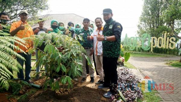 Kunjungan GPK Jombang ke Agrowisata Agropolis Wonosalam: Ini Potensi yang Luar Biasa