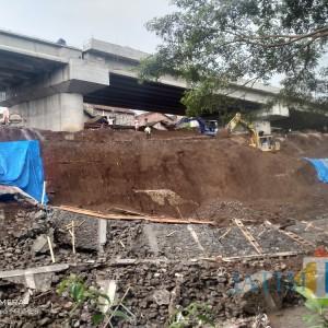 Plengsengan Jembatan Kedungkandang Longsor, Diduga karena Arus Banjir