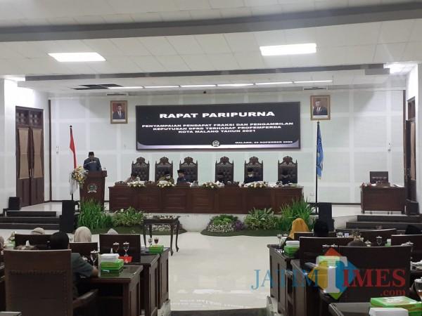 Rapat Paripurna di Ruang Sidang DPRD Kota Malang, Senin (23/11). (Arifina Cahyanti Firdausi/MalangTIMES).