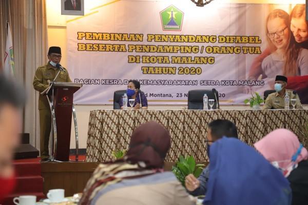 Suasana acara Pembinaan Penyadang Difabel Beserta Pendamping / Orang Tua Kota Malang tahun 2020 di Hotel Sahid Montana, Senin (23/11). (Foto: Humas Pemkot Malang).
