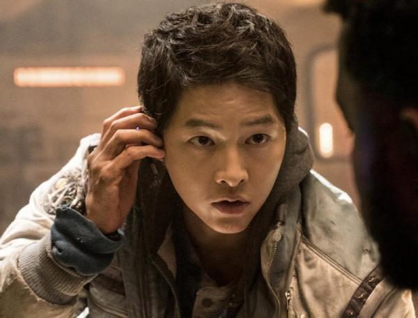 Song Joong-ki dalam film Space Sweepers (Foto: Prambors)